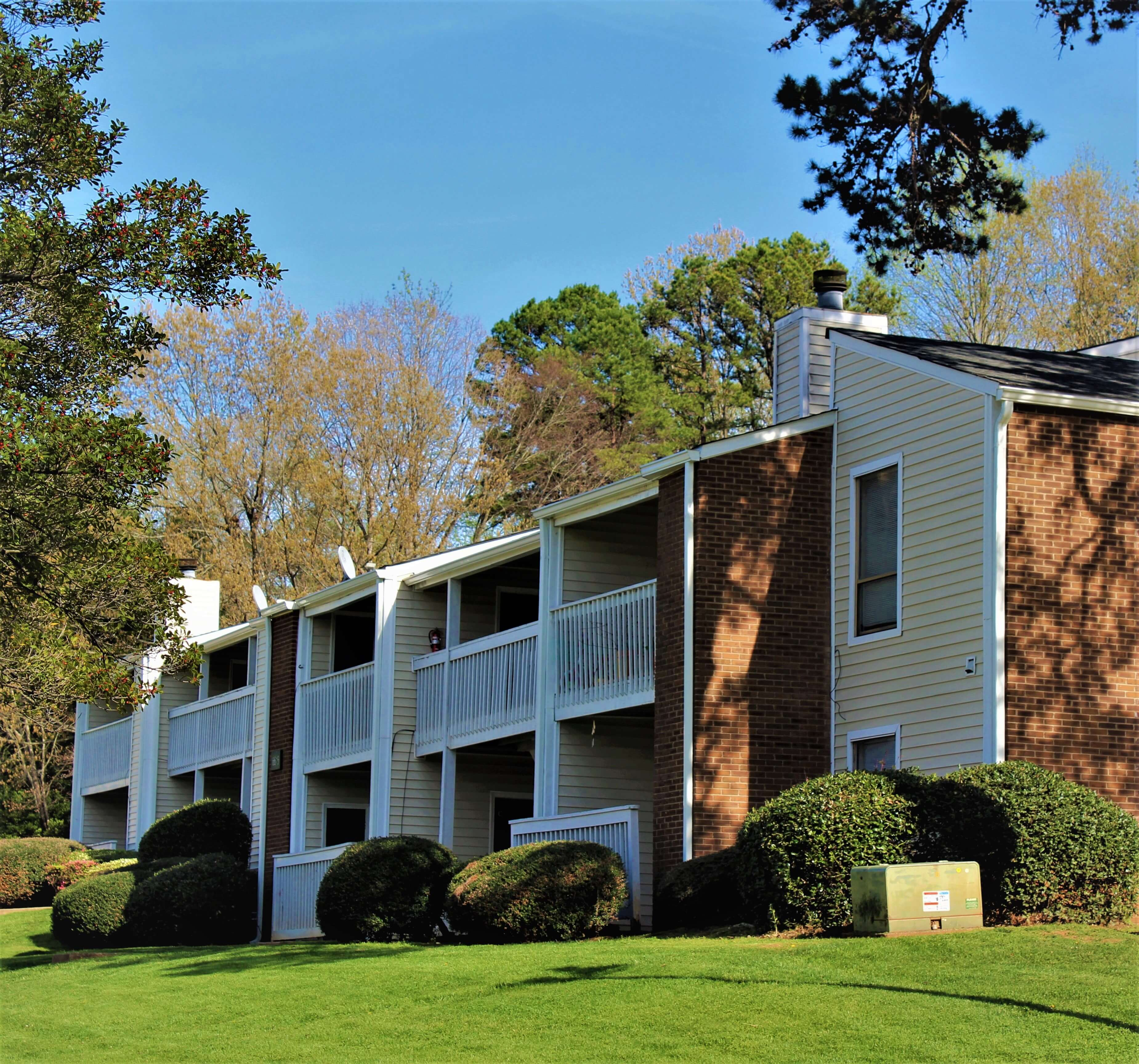 Birch Creek Apartments: Woodbridge Apartment Homes 6619 Yateswood Drive, Charlotte